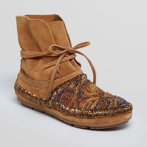 House of Harlow 1960 moccasins
